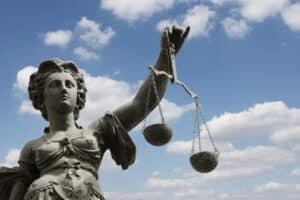 Eine Rechtsmittelbelehrung gibt dem Betroffenen Aufschluss über seine Möglichkeiten, eine Entscheidung anzufechten.