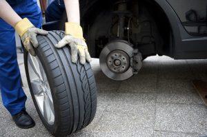 Mit dem richtigen Reifendruck kann der Verbrauch Ihres Autos gesenkt werden.