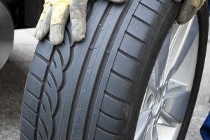 Reifenwechsel: Wie alt darf ein Reifen höchstens sein?