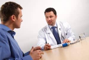 Nach einem Schleudertrauma kann ein Schmerzensgeld eingefordert werden.