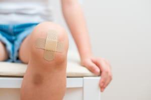 Wann können Sie Schmerzensgeld bei einer Knieprellung geltend machen?