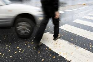 Schrittgeschwindigkeit: Wer sich nicht daran hält, gefährdet möglicherweise andere Verkehrsteilnehmer.