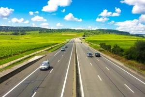 Ist der Schulterblick auf der Autobahn vorgeschrieben?