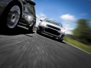 Die stationäre Verkehrsüberwachung ist eine Möglichkeit zur Geschwindigkeitskontrolle.