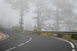 Eine Strafe für eingeschaltete Nebelscheinwerfer droht nur ohne Nebel.