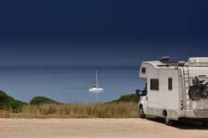 Das Tanken im Ausland wird beim Urlaub mit dem Wohnmobil nötig.