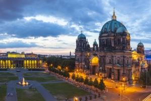 Die Tankstellenpreise in Berlin variieren nach Bezirken und Anbietern.
