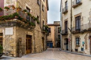 Tempolimit in Spanien: Innerorts dürfen Sie entweder 20, 30 oder 50 km/h schnell fahren.