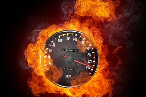Geschwindigkeitsverstöße können mit Traffistar S 330 aufgedeckt werden.