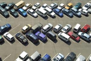 Welchen Anspruch hat das Unfallopfer nach einem Unfall im Parkhaus?