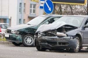 Was Sie haben einen Unfall verursacht und nun was tun? Entnehmen Sie diese Informationen unserer detailliert Checkliste.