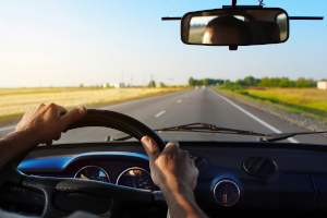 Manche Verkehrsregeln richten sich speziell an Autofahrer, andere wiederum an Radfahrer oder Fußgänger.