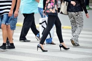 An welche Verkehrsregeln müssen sich Fußgänger halten?