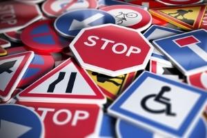 Im Wust der Verkehrsschilder ist das Parkverbot manchmal schwer zu merken.