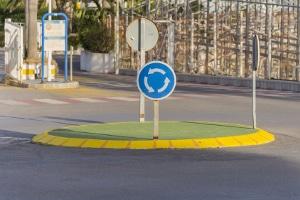 Wer hat Vorfahrt im Kreisverkehr?