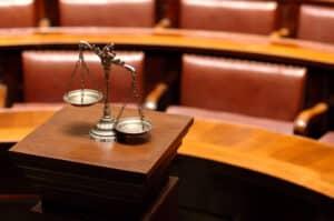 Als Zeuge vor Gericht gilt für Sie das Zeugnisverweigerungsrecht.